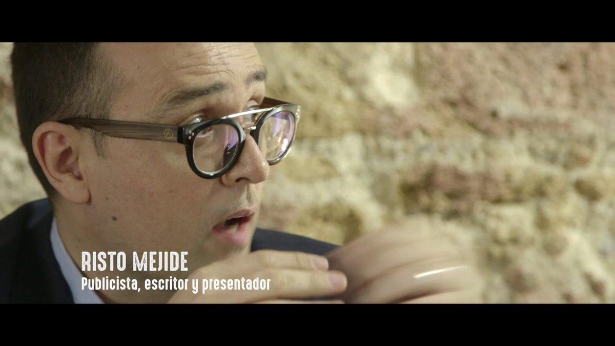 """Documental """"ANDALUZ DE LA A A LA Z""""  Manu Sánchez hace un recorrido por Andalucía, a través de sus grandes hitos históricos, así como por los principales pensadores, políticos y creadores andaluces.  https://www.youtube.com/watch?v=tn1UEB40QGk…pic.twitter.com/v1kmdCctIT"""