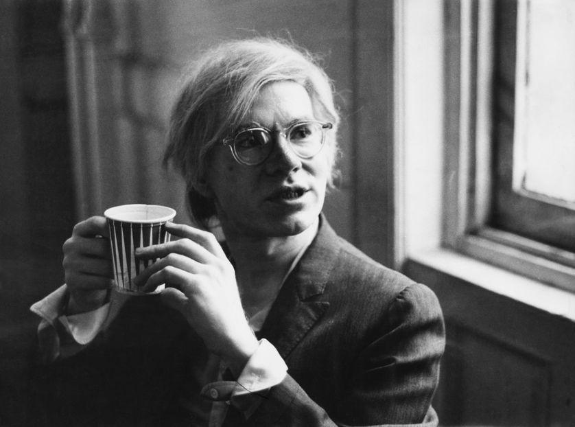 Figure phare du pop art, Andy Warhol (1928-1987) est l'un des artistes les plus influents du XXe siècle. Retour en quatre épisodes sur une vie étonnante et sur une œuvre controversée. https://www.franceculture.fr/emissions/series/lesprit-de-warhol?utm_medium=Social&utm_source=Twitter#Echobox=1582822903…