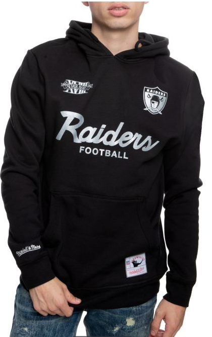 #Raiders #lasVegasRaiders #RaiderNation  Represent your favorite team! Shop Shiekh. RAIDERS FLEECE HOODIE $69.99 https://www.pntrs.com/t/Qz9KRUREP0NKS0ZJST9KRURE?url=https%3A%2F%2Fwww.shiekh.com%2Fmitchell-and-ness-oakland-raiders-fleece-hoodie-black.html …pic.twitter.com/YFTwI8o8kF