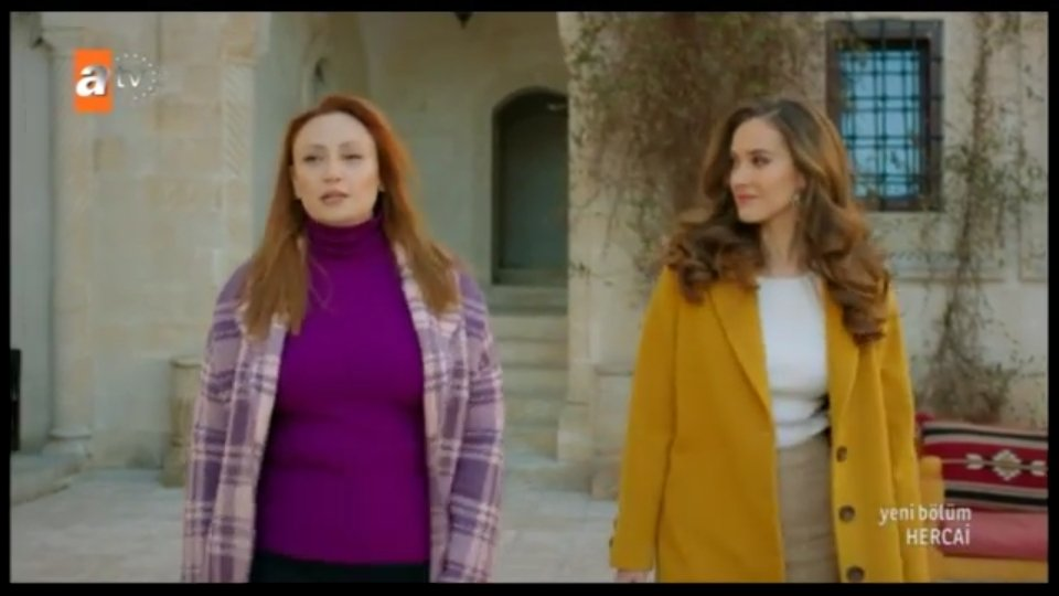 When i say Hercai's casting director should be given award i mean it. Look at them they really look like mother and daughter  #Hercai<br>http://pic.twitter.com/QSYHZGDZLf