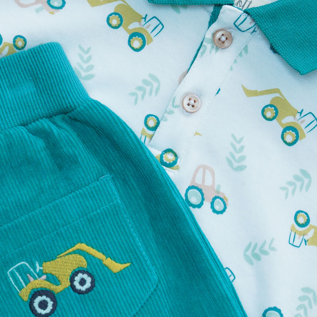 🚜 Coming soon!!!! 🚜 A sneak peek of one of our new patterns and gorgeous outfits from our new collection.   #kidswear #tractors #toddlerlife #mummylife #kidsfashion  #summer #sneakpeek #mummyblogger #parenting #outdoorslover #british #makingmemories #organiccotton #youngfarmers
