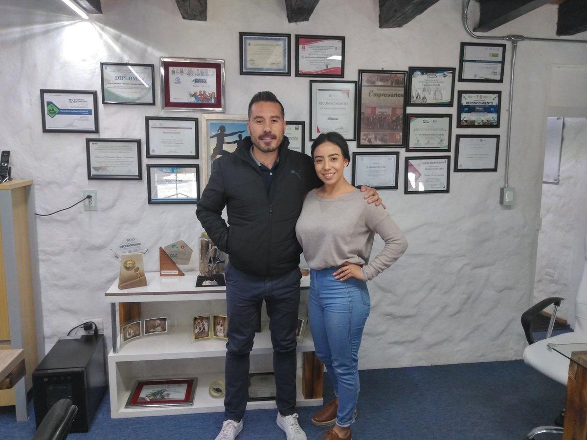 """La alumna de #DEPS, Fátima Paola Lozano Briseño, se encuentra en la empresa Medic's Ruelas, ubicada en la ciudad de Durango, realizando su #Estadía con el proyecto """"Plan estratégico de marketing en la empresa de publicidad Cinemaluk"""". @SSicsik @AispuroDurango @SEED_Dgopic.twitter.com/9oLQnU9pio"""