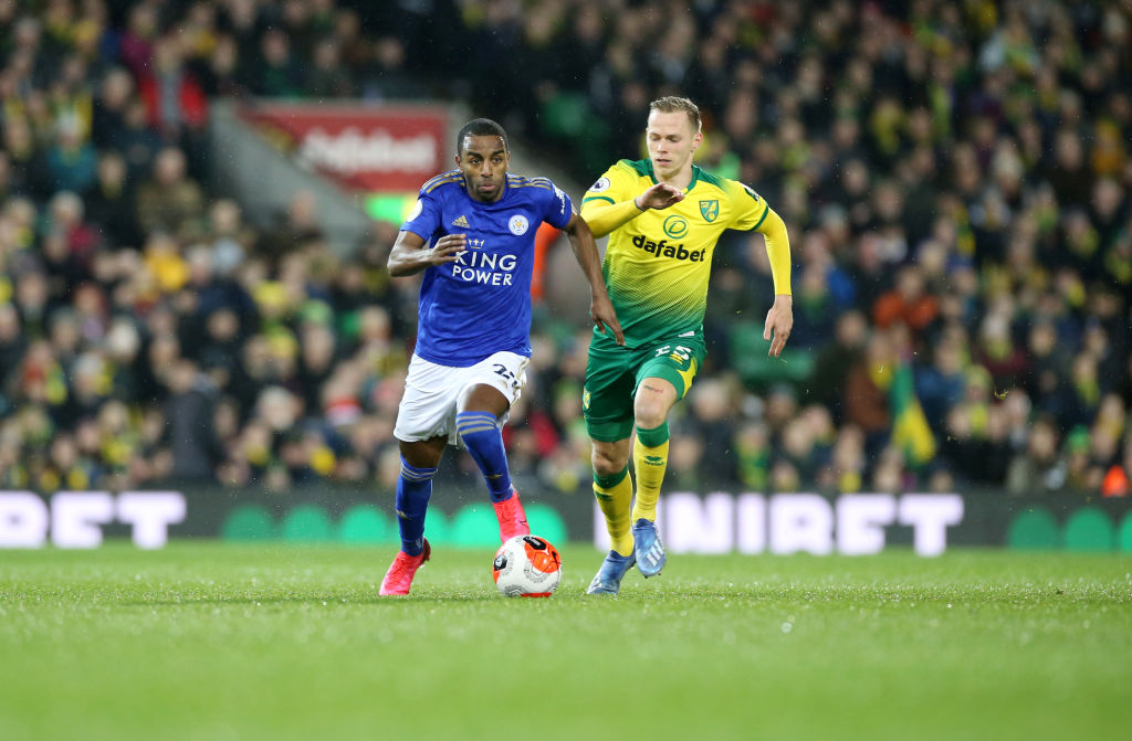 Ondrej Duda has gone close for Norwich, but it remains goalless at Carrow Road.  Just over 20 minutes to find a winner.  #NORLEI live text:  http:// bbc.in/2TbPvg5      #bbcfootball <br>http://pic.twitter.com/uP7unxCk6e