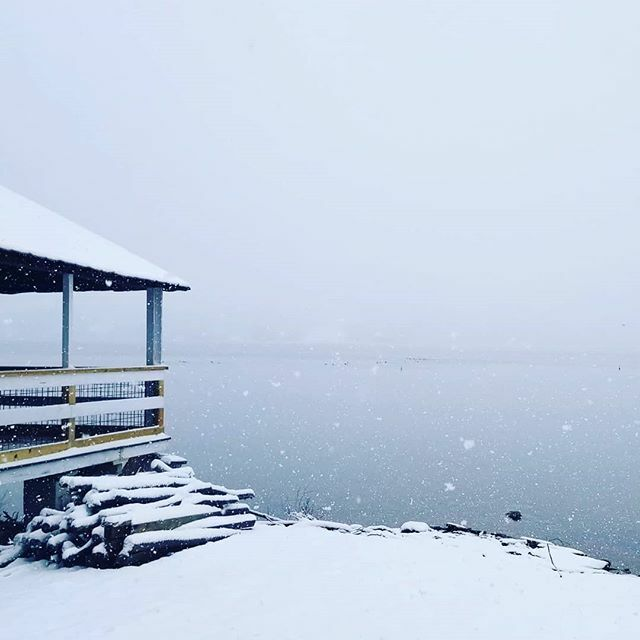 Summer spots are way better in winter. This is #otsegolake otherwise known as #glimmerglass , about 2 miles from the home where I grew up. I'm so lucky to have had a good old fashioned country childhood where I swam in a lake like this and learned the rh… https://ift.tt/3896Hafpic.twitter.com/k1sWCaFfn7