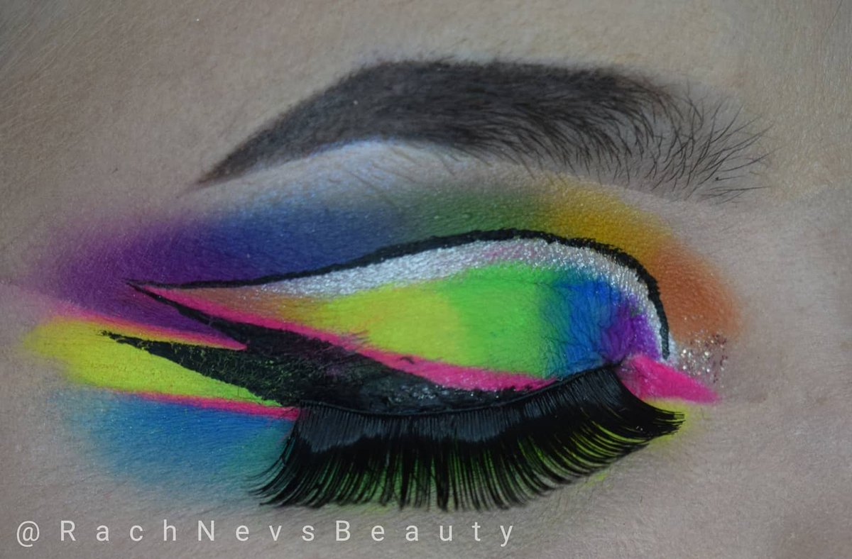 Saw this by @Skullbabybeauty and had to recreate Using @JeffreeStar and @makeupamurder neon pigments for this #makeup #makeupaddict #mua #makeuplover #makeupartist #makeuplook #makeupbyme #neonmakeup #colourfulmakeup #brightmakeup #eotd #motd #inspiredby