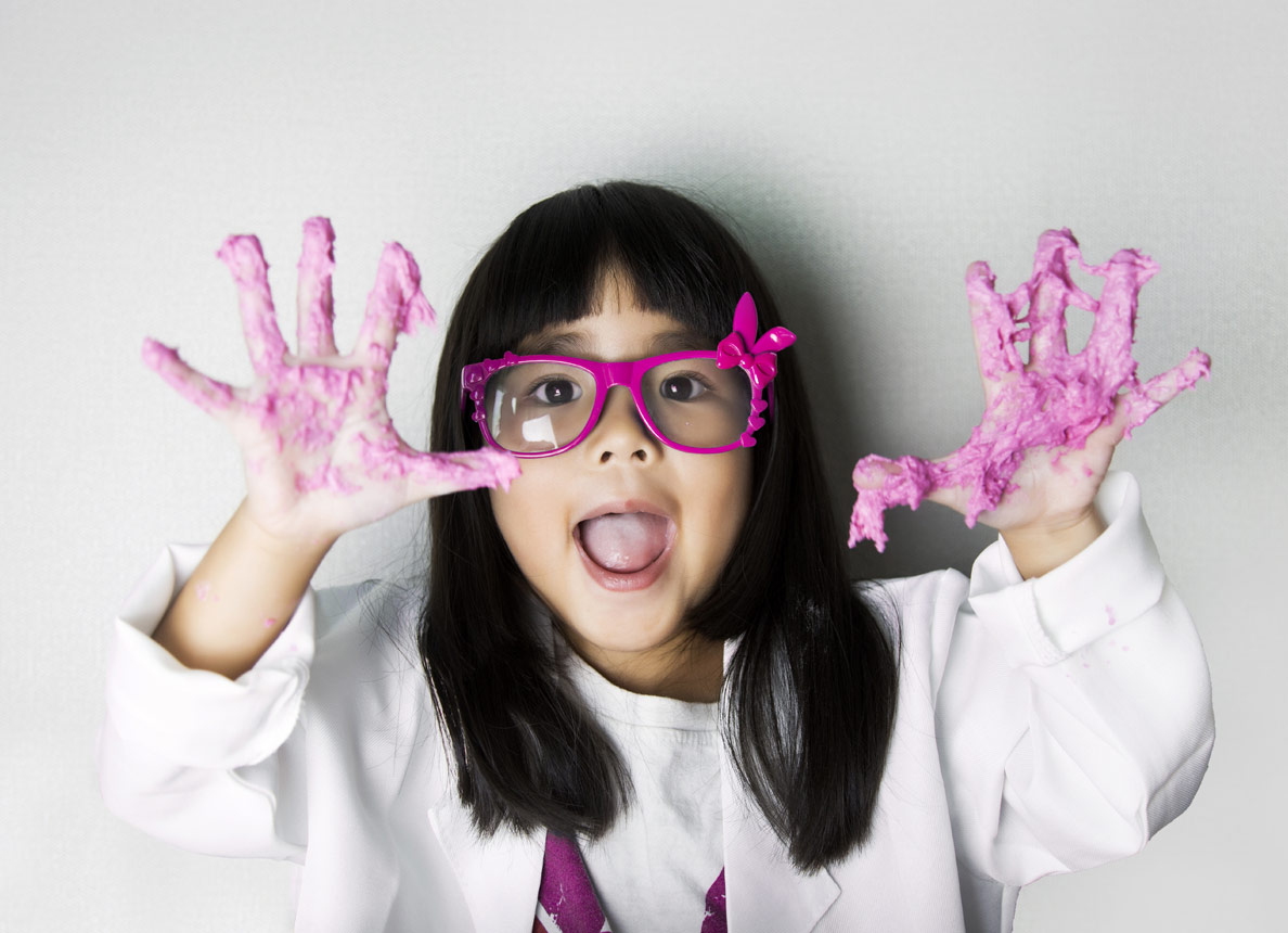Science Parties! We visit your home or venue with amazing science experiments! Children make & take home their own slime. Barbie has hair raising fun on a Van Der Graaf generator. Elephant toothpast& giant smoke cannons #kidsparty #birthdayparty #party #junioreinsteins #Dublin