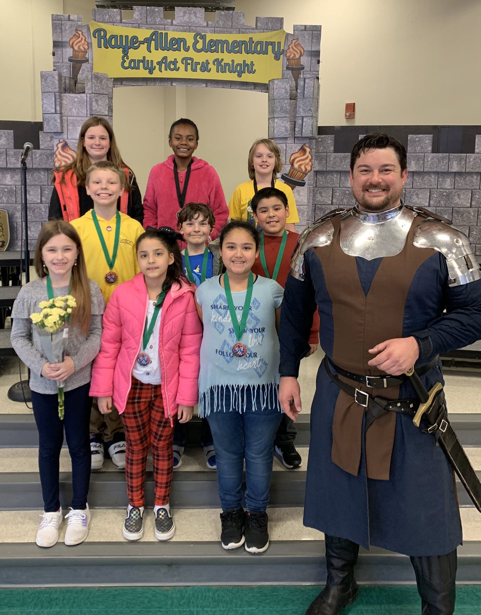 Another awesome EAFK Knighting ceremony today!  We are so proud of our students that received a medallion! Way to go Eagles! @RotaryTempleSo #TempleISDProud @TempleISDpic.twitter.com/lfVT7UdVHm