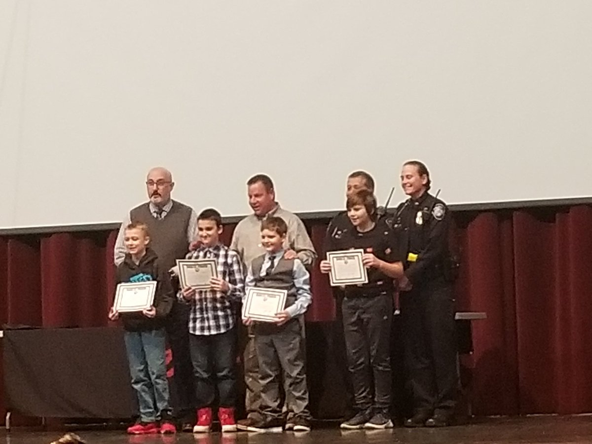The February PRIDE winners got a special part of the DARE ceremony!  @francis_scruci  @MikeAspacher  @Zeb_Kellough #BobcatProidpic.twitter.com/IDtNfTMMlb