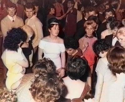 #thebeatles #1960s #georgeharrison  #paulmccartney #theonlyfabfour #thecutebeatle #beatlemania #lennon #60s #johnlennon #ringostarr #beatlesliverpool #mccartney #thebeatlesfan #thedrummer #fabfour #music #ringostarrfans #mclennon #yesterdaypic.twitter.com/ybxI8ejaVo