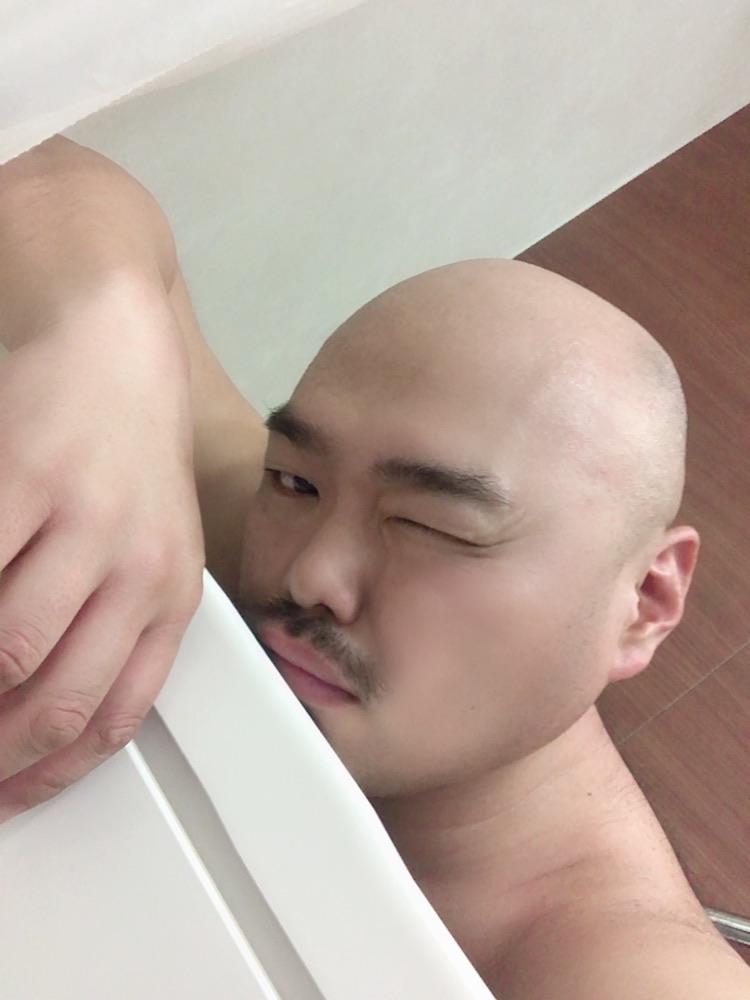 RT @kurochan96wawa: 朝風呂。 あーん、ちゃぷちゃぷサービスタイムになっちゃってるしんねー! https://t.co/JqOimUf1nJ
