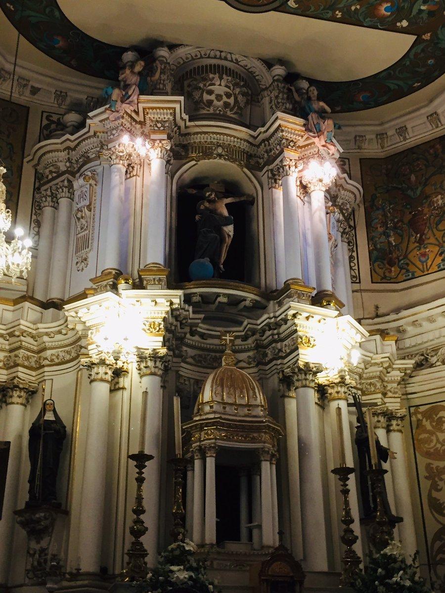 Del miércoles de ceniza, comenzando la #cuaresma visitando el hermoso templo de San Francisco.   #sony #zamora #arosales #mexico #religion #spirituality #altar #arquitectura #history #urbanphotography #city #virginmary #interior #picoftheday #jesuschrist #jesucristopic.twitter.com/cgHORgboe4