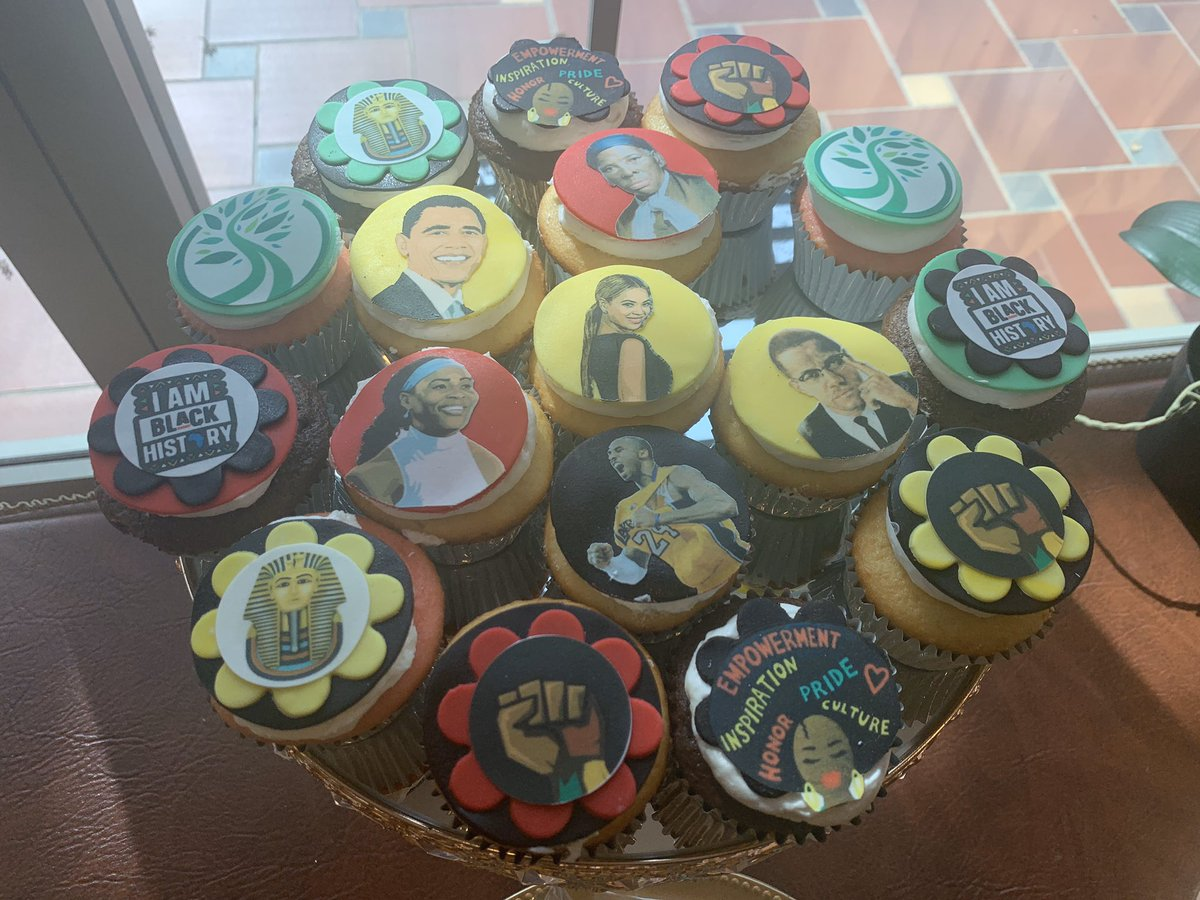 Celebrating the fullness and legacy of Black History Month with phenomenal images, designs, quotes, and historical leaders on our wonderful dessert items. These beautiful designs were created by @SMA_JayMarlene with! Happy Black History Month! #BCLC2020 #5YearsofLegacy https://t.co/NFBrrty5Mr