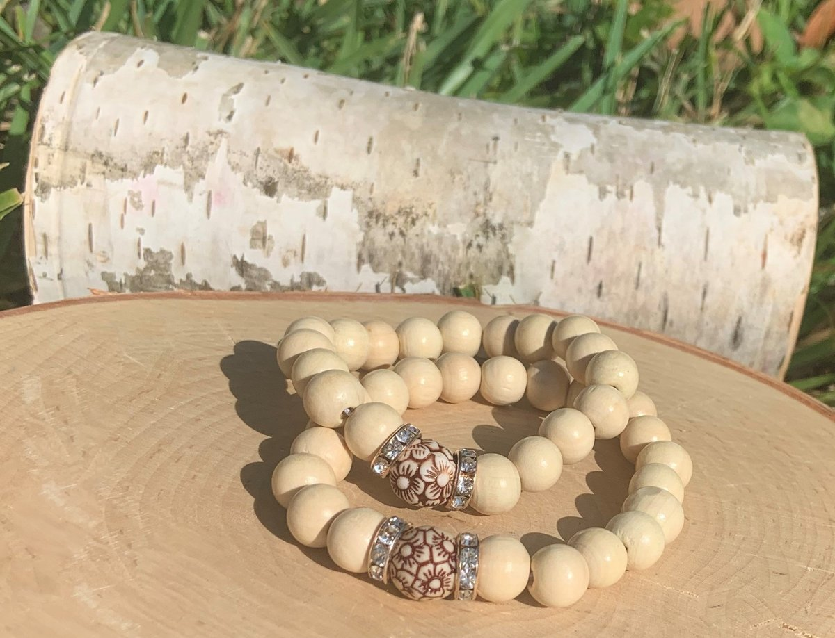 Floral Wood Beaded Rose Gold Accent Bracelet- Get Your Stackable Boho  Bracelet ! Woman Jewelry-Girl's Bracelet-Boho Chic Bracelet-Women's Gift-Bridesmaid Gift  #jewelry #bracelet  #women #bridesmaid #bridal #beaded #giftidea #gifts #etsy