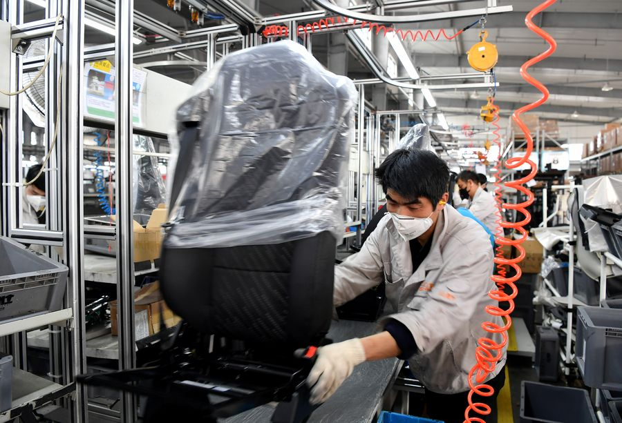 China's manufacturing PMI stood at 35.7 in February, down from 50 in January amid epidemic http://xhne.ws/R7iFt