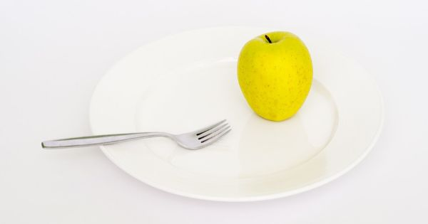 Fasting will also release fat-bound toxins and facilitate detoxification http://kud.nu/g9tppic.twitter.com/QyC0pksdYW