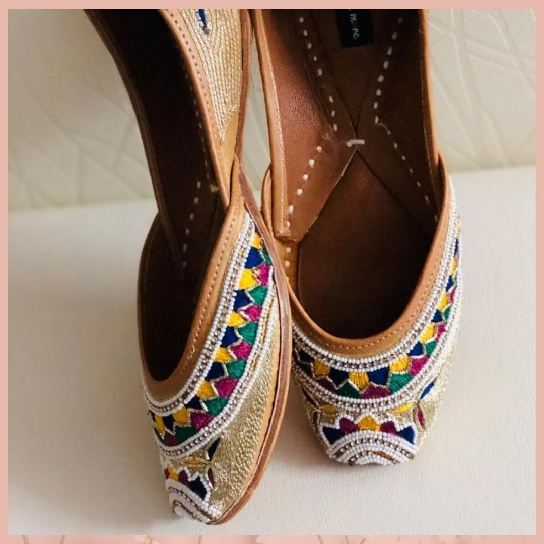 Shop this Beautifully hand embroidered Jutti from @Mirraw and get up to 80% off. Product ID - 3202568 Product details & price - http://bit.ly/386iOEG . . #ClassicSale #RelivIndia #Trendy #Jutti #Footwears #Mirrawstyle #Ethnicwear #Mirraw #Mirrawindiapic.twitter.com/Z9cet4DKc3