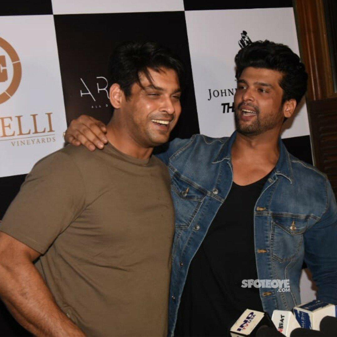 Buddies! @sidharth_shukla and @KushalT2803 snapped at the launch of Kushal's new restaurant yesterday!  They Both Are Good Friends.  SidHearts Keep Tweeting            (@The_WaRRIoR_07)  #WeLoveSidharth #SidharthShukla | #KushalTandon | #BiggBoss13pic.twitter.com/bApnY27lPM