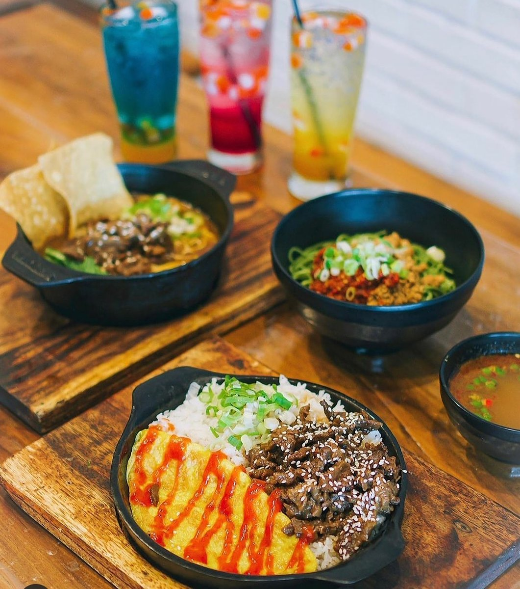 """""""Choose one of the best menus in your opinion, and enjoy the sensation only in our beloved restaurant""""  Open 11.00-21.30  Tambah 20%Cashback OVO-GOPAY 60% shoppe pay juga lho.. hanya di @ramenations % Halal ya  Find l in town only at : """"RAMENATIONS"""" Palembangpic.twitter.com/xhHUjsUxGm"""