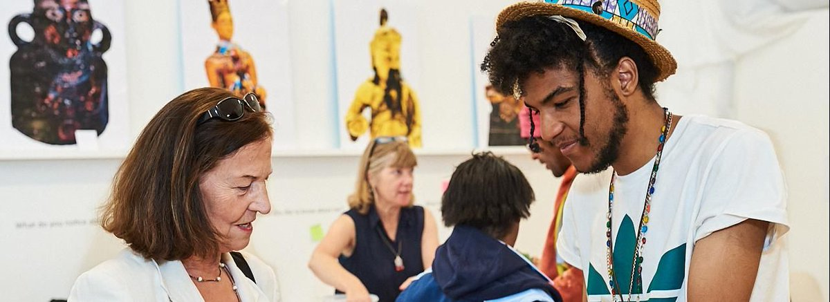 It's not too late to join me @CHWAlliance conference on 19 March @derbymuseums -tickets available till March 6! Looking forward to being part of a great day! https://buff.ly/2v3FRlS #CHWA2020 #artsinhealth@Daisy_Fancourt @LAHFArtsHealth @ace_national @ELFTarts @MedHums_BMJpic.twitter.com/NdWe75Pe3g