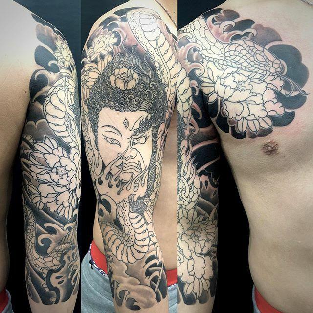 #如来 #明王 #nyorai #myoo #蛇 #牡丹 #snake #peony . . . #tattoo #reikotattoo #studiokeen #japan #nagoyatattoo #irezumi #タトゥー #刺青 #名古屋 #大須 #矢場町 https://t.co/3sWGFV6JMb https://t.co/yhtH4cDyd5