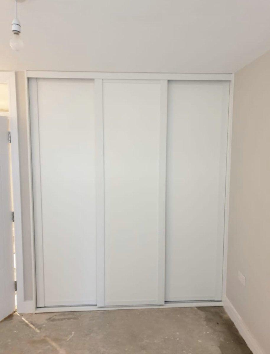 White Shaker frame with White board finish • • • #photooftheday #rooms #bedroom #house #decor  #wardrobes #brighton #brightonandhove #sussex #storage #interiordesign #adjustable #smartstyle #interior #slidingdoors #combinations #interiorinspo #walkinwardrobe #shelvingpic.twitter.com/p81UTs4RFi