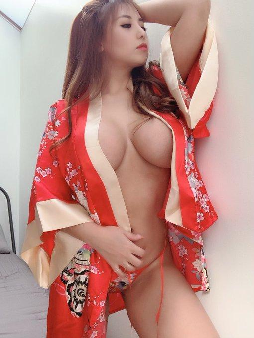 AV女優さくら悠のTwitter自撮りエロ画像25