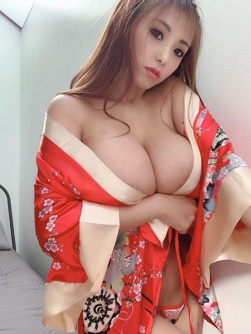 AV女優さくら悠のTwitter自撮りエロ画像24