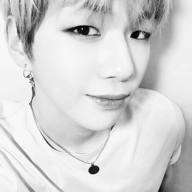 Happy 6 Months Anniversary to the amazing fandom named #DANITY. #KangDaniel #강다니엘 #DanitySelcaDay <br>http://pic.twitter.com/Hzxy3eMGwe