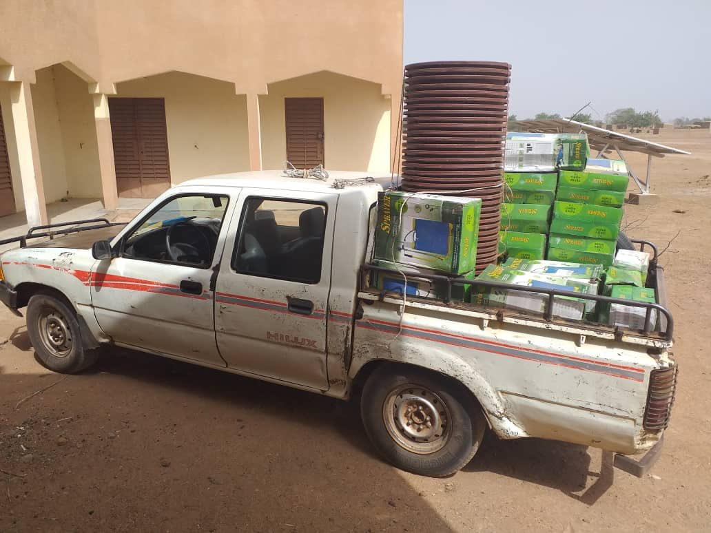 Réception des matérielles de fabrication de Bio Pesticide pour les personnes vulnérables dans le cadre du projet #LuxDEV dans le cercle de #Bla, commune de #Falo au #Mali. @ONG_Amedd est parti prenante dudit projet.