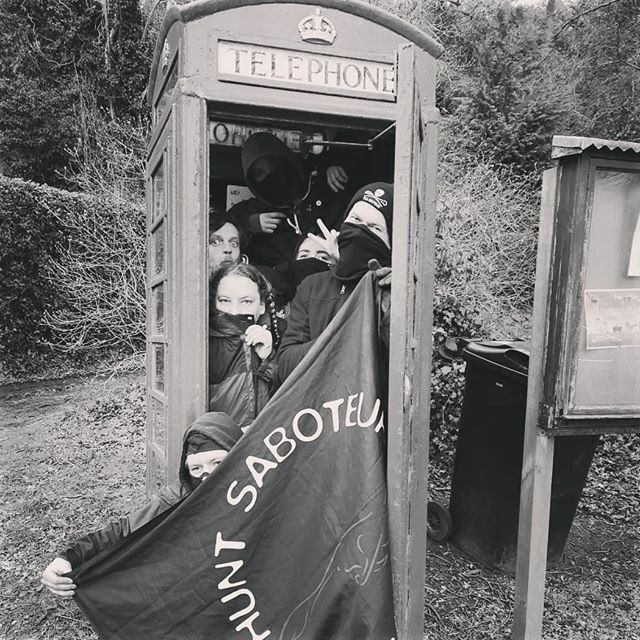 How many sabs can you fit in a phonebox? ift.tt/2Ta0JRZ