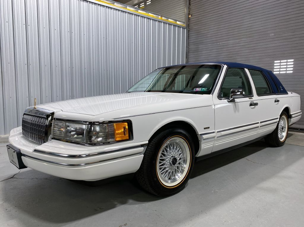 Vogue Tyre On Twitter Immaculate And Timeless 1994 Lincoln