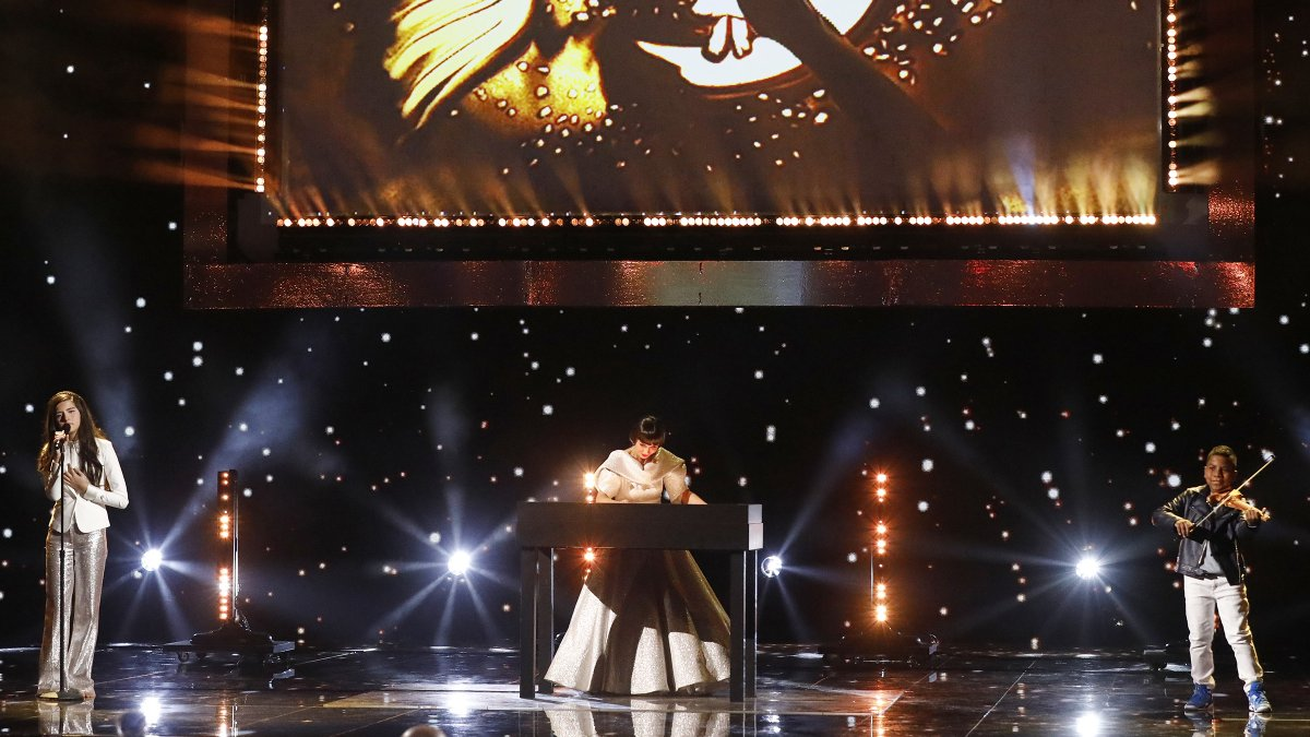 Good to see my golden buzzer from season 1 of #AGTChampions! @SimonovaTV, this was beautiful!