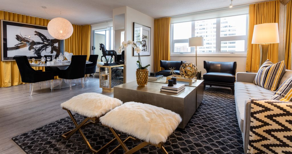 @bwalkcommunity's Capital Design Coordinator gives tips on how to spend less and get more when decorating your apartment or townhome.   https://buff.ly/2Bz1fPU #interiordesign #apartmentliving pic.twitter.com/DrKBwUErOm