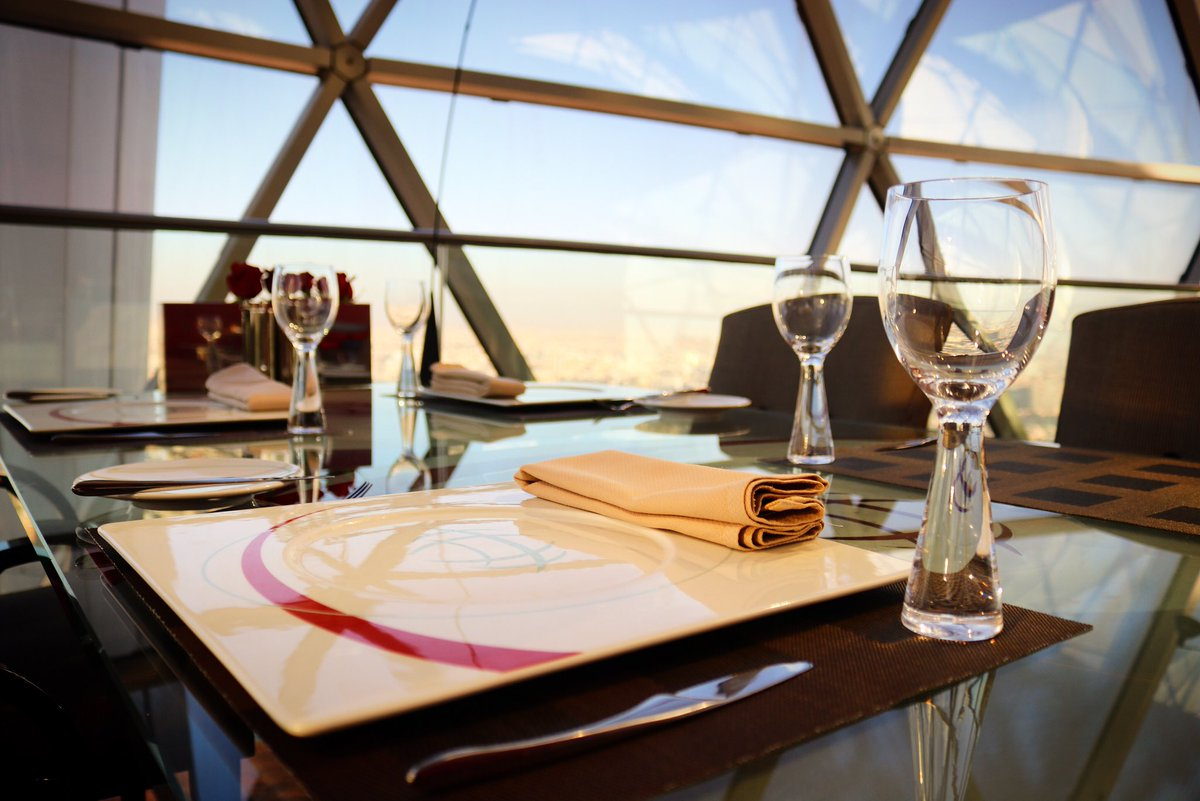 Luxury personified at The Globe Restaurant atop Al Faisaliah Tower.  #الرياض#مطاعم_الرياض#الفيصلية#فندق_الفيصلية#فندق_الرياض #alfaisaliahhotel#riyadh_restaurants#dining#riyadh_hotels#luxury#lifestyle#foodie