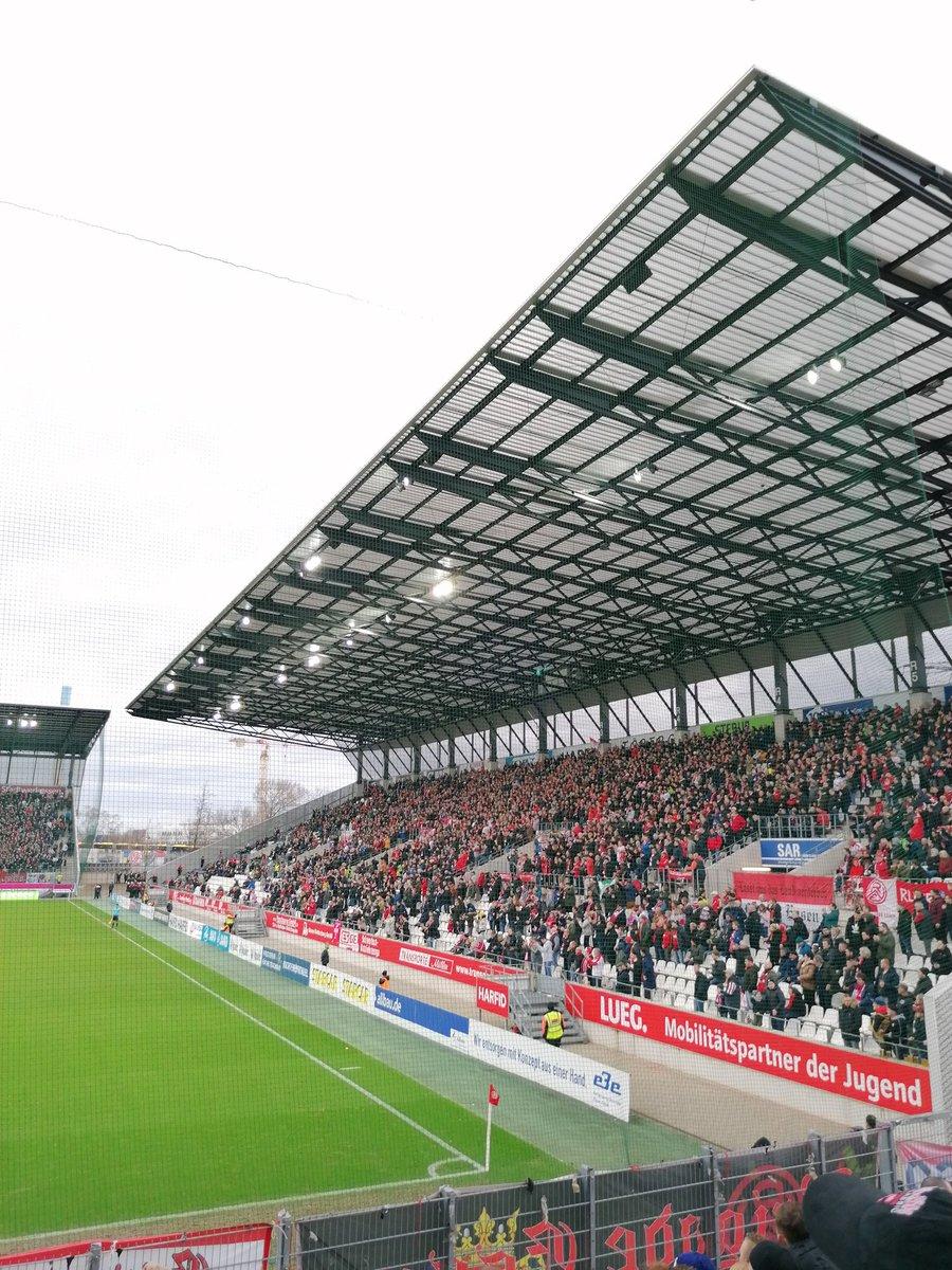 16-02-2020  Regionalliga West  Georg-Melches Stadium  Rot-Weiss Essen - Rot-Weiss Oberhausen Attendance: 13.236  Result: 1-0 (0-0)  #groundhopping #rwe #rwo #regionalliga #derby #thechickenbaltichroniclespic.twitter.com/K75QyfVYXp