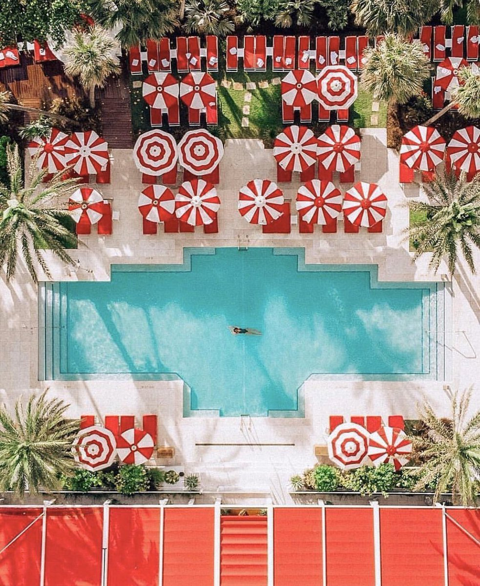 Recapture the holiday cheer with this amazing pool view! Your #Staycation in @FaenaMiami covers all the bases with delicious food, fun nightlife, a great spa and tropical waters 🍒🍹🏖 just another perk for Miami residents😉 #PresidentDay #LifeStyle #Goals #Relax #MudateAMiami