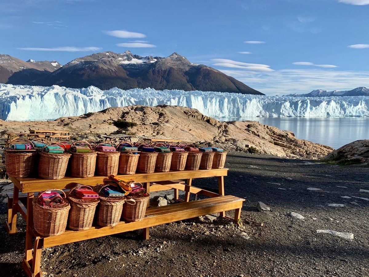Destinos TVG3.0: La gastronomía es muy importante para que un Incentivo sea un éxito, pero a veces una comida inolvidable no tiene por qué ser en el clásico restaurante. Bienvenidos a Perito Moreno #travelling3 #peritomoreno #amazingview #nature #travel #mice #incentivospic.twitter.com/RehErYJGyZ