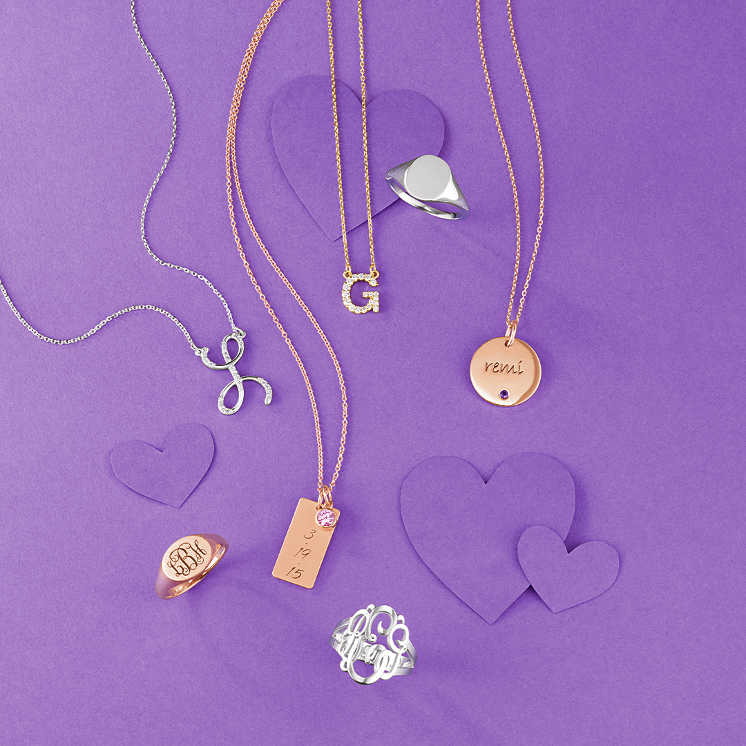 Pendants are a great way to add to your necklace  Find us:   #GoldNIJewelers #WoodlandHills #JewelryStore #Jewelry #CustomJewelry #JewelryRepairService #JewelryEngraver #WatchRepairService