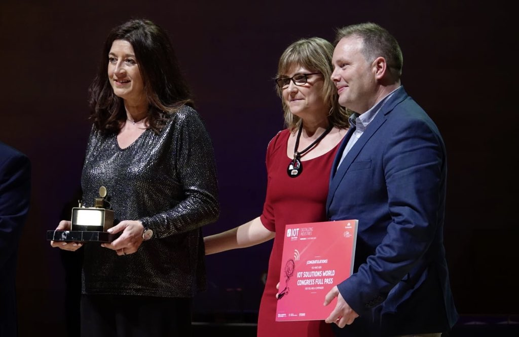 Citilab rep el #premi Alan Turing al compromís social en la 25a Nit de les Telecomunicacions i la Informàtica!   El guardó reconeix el projecte d'innovació educativa #EduLab, que fomenta la introducció de la #programació, la #robòtica i les #STEAM a les aules.   #LaNit2020pic.twitter.com/T93brir3J2 – at L'Auditori