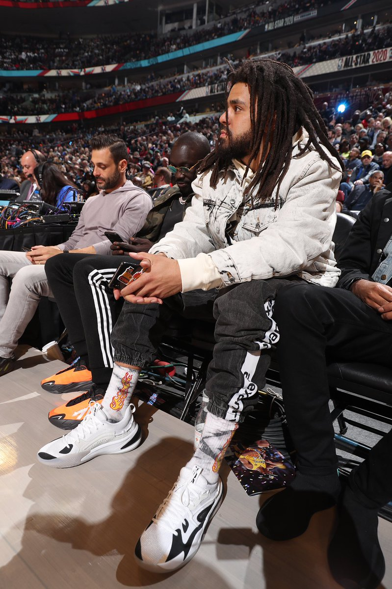 J. Cole debuted his new Puma The Dreamer last night. Reportedly his first signature shoe 🔥