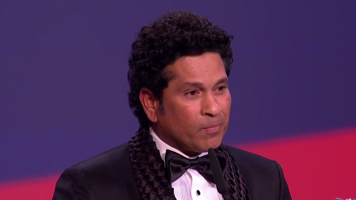 🔈 Sound on 🔈  A powerful, strong and moving tribute to a room full of sporting legends from @sachin_rt in honour of Nelson Mandela and the incredible power of sport to unite and inspire 👏  #Laureus20 #SportUnitesUs
