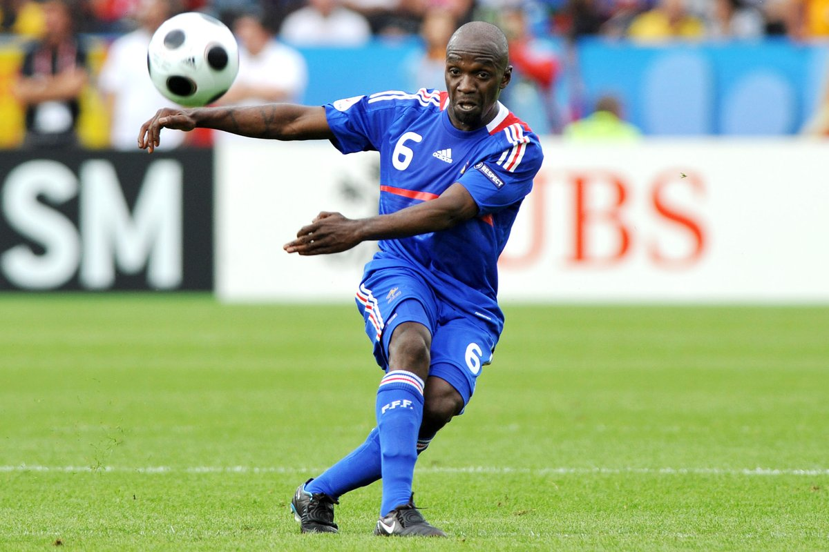 🇫🇷 Happy birthday, Claude Makélélé 🎉  🥳 47 today 🎂  #EURO2020 | #HBD | @FrenchTeam