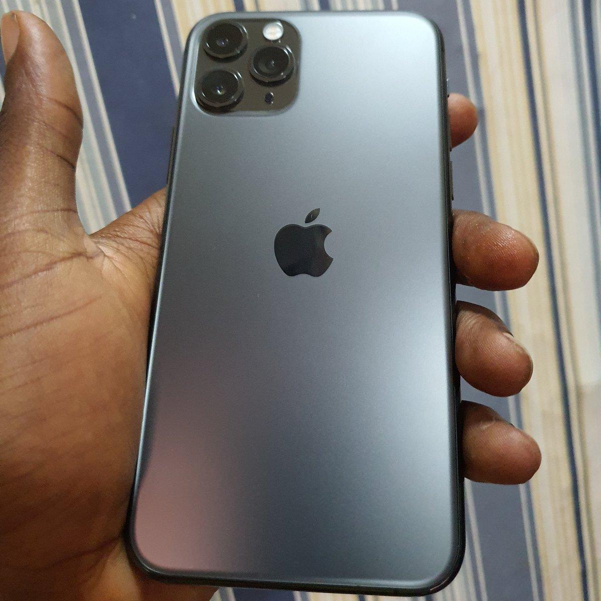 Uk used iPhone 11pro 64gb....PRICE:335,000...#sharpliknew #apple #11pro #gadgetshop #hotdealspic.twitter.com/8TRnYspJbQ