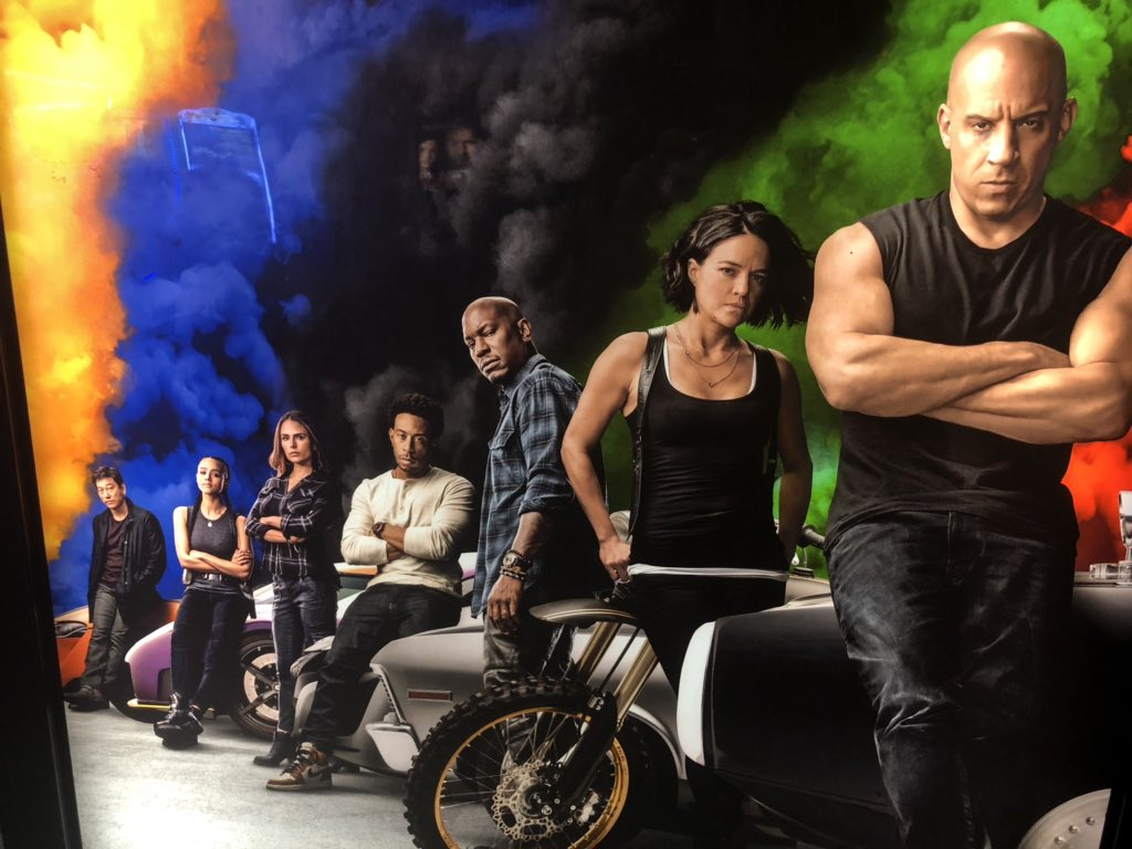 Why does the entire cast of Fast & Furious 9 look annoyed to be making it lol #ff9 #FastandFurious9 pic.twitter.com/dHOR4hGt4W