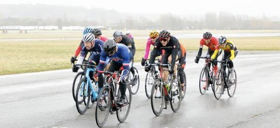Another good weekend of racing saw Tom Coombe take the clubs first podium of the year picking up 3rd at Abingdon from a select front group with help from Pete and Rodney in the peloton behind. Well done Guys in some pretty horrid conditions! pic.twitter.com/nx7y7OjhY8