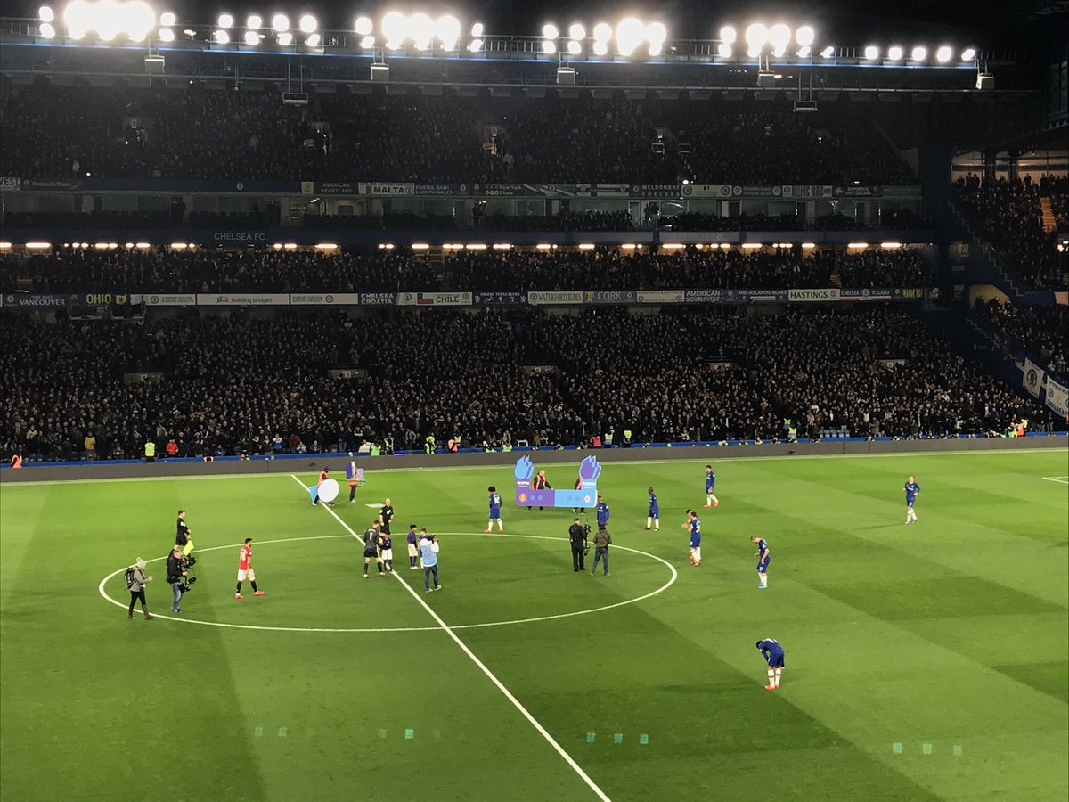 Game on @ChelseaFC V Man U @Msccruises pic.twitter.com/Hu7KyWLCZk