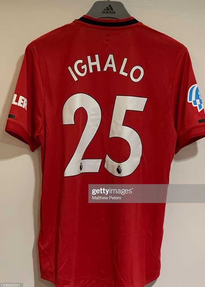 DONE    Odion Jude Ighalo becomes the first Nigerian to play for Manchester United.  #AFCON2019 top scorer's pro career has taken him from Julius Berger to Manchester United via Lyn Oslo, Udinese, Granada, Watford, Changchun Yatai and Shanghai Shenhua. #FavourOverLabour #MUFC <br>http://pic.twitter.com/ig16LrtMeW