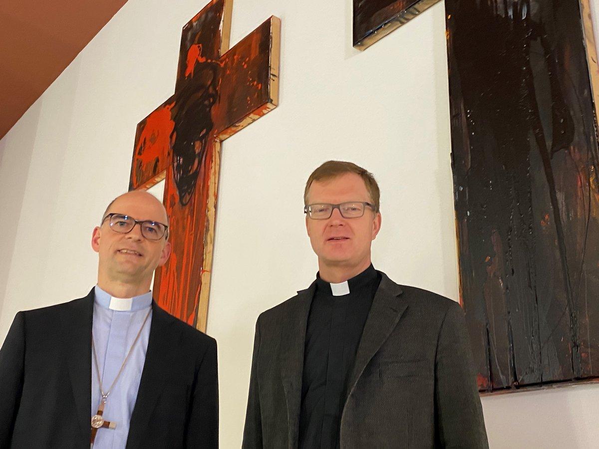 Pater @hans_zollner vom Kinderschutz-Zentrum an der Gregoriana in Rom und Bischof Franz #Jung @mainfrankenkath diskutieren über #Missbrauch und Aufarbeitung - mehr bei #KNAvorOrtpic.twitter.com/PZ6sCE78Az