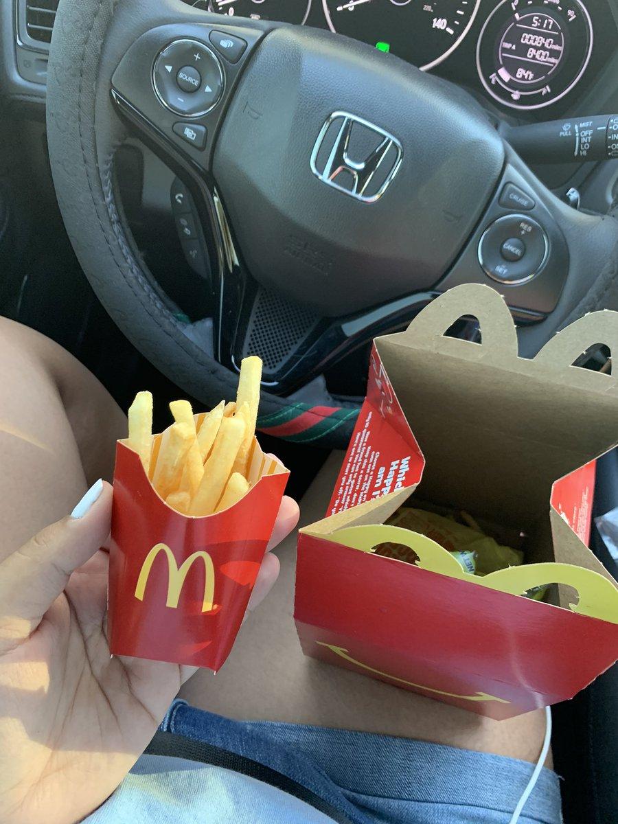 McDonald's said fuck them kids <br>http://pic.twitter.com/fjUn2QWR9S