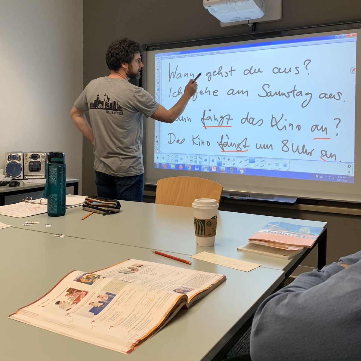 Register NOW for our 2020 Spring Quarter German language courses. We offer 5 and 10-week courses at a variety of levels. Early Bird Special ends March 11, 2020.  Register here: https://german-institute.org/german-language-courses/german-courses/…  #learngermanpic.twitter.com/wnYxg38r0H